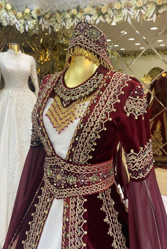 هذا اللباس للإيجار فقط في تركيا